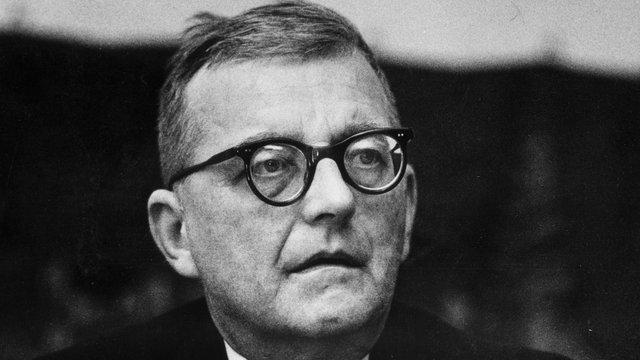 Dmitri Shostakovich - The Royal Philharmonic Orchestra - Shostakovich: Symphony No. 10; Chamber Symphony