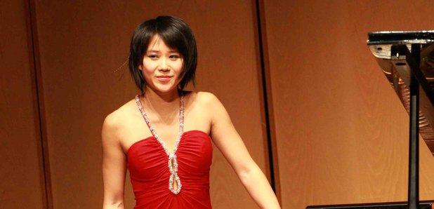 Yuja Wang performing