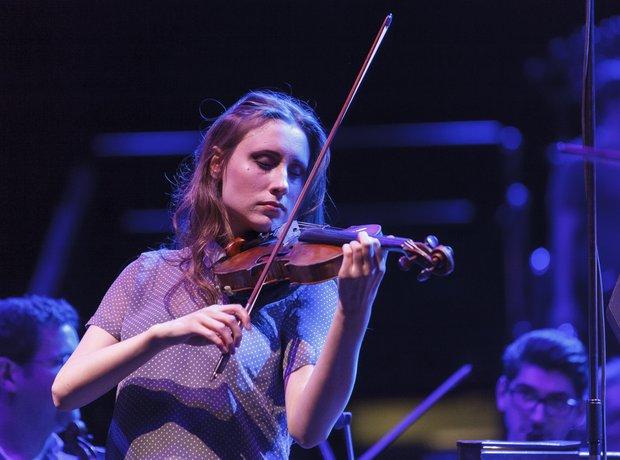 Jennifer Pike Classic FM Live 2013 rehearsals 7