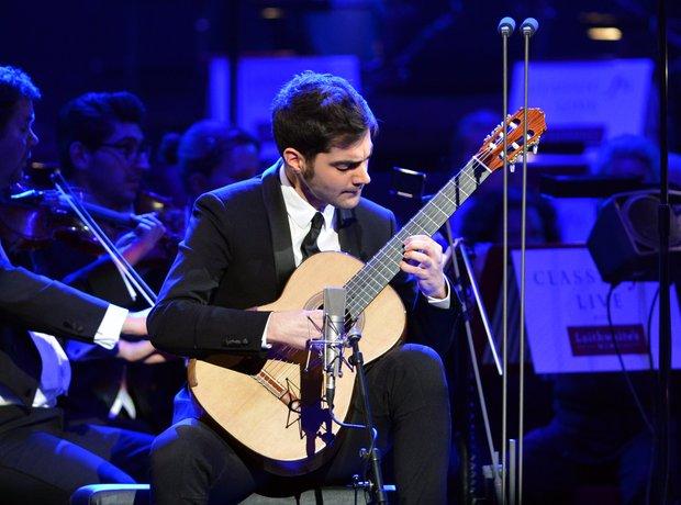 Miloš Karadaglić Classic FM Live 2013 the performa