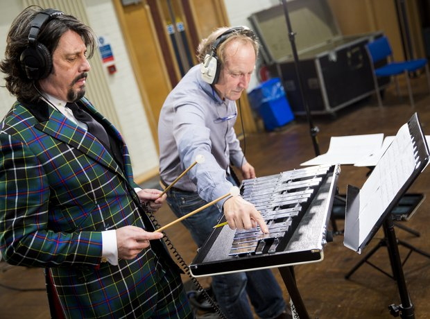 Laurence Llewelyn Bowen Classic FM Charity Single