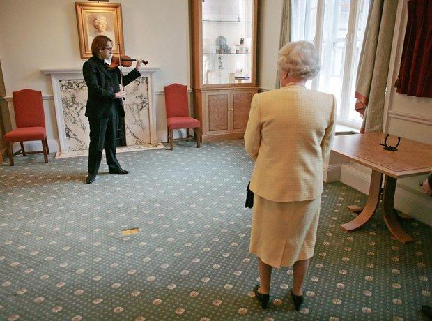 Queen Giovanni Guzzo Stradivarius Royal Academy